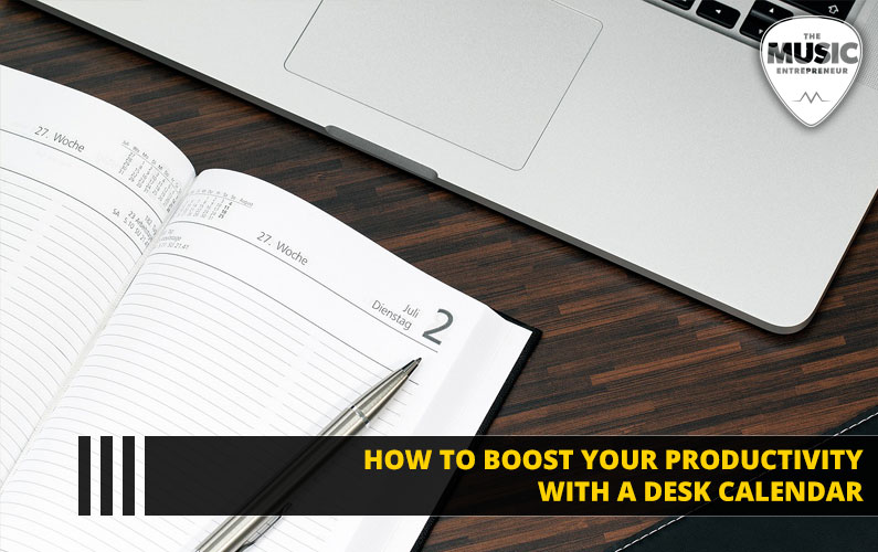 How to Boost Your Productivity with a Desk Calendar [INFOGRAPHIC]